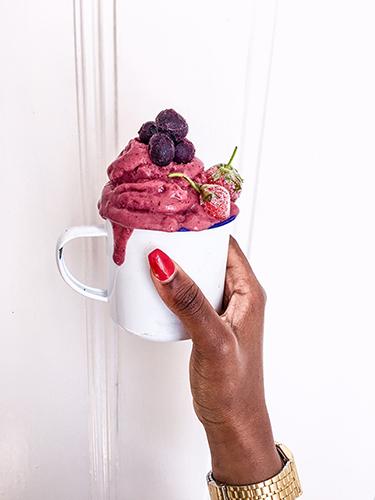 Mixed berry nicecream